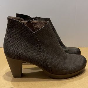 Wonders Leather Ankle Bootie